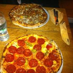 Photo taken at Pizzeria Dalmatino by Petar S. on 10/25/2012