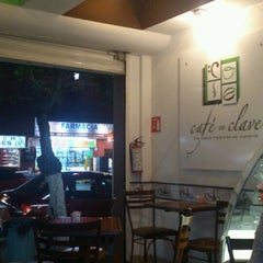 Photo taken at Café En Clave by Valentin G. on 3/20/2013
