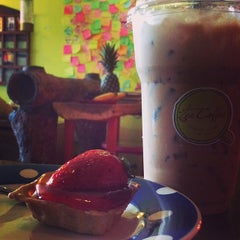 Photo taken at Tee Coffee by นศ.ทนพ.วีรชาติ on 1/30/2014