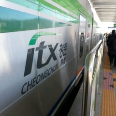 Photo taken at 가평역 (Gapyeong Stn.) by Pia. S. on 12/23/2012