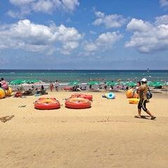 Photo taken at 이호테우해변 (Iho Taewu Beach) by 냐릉 술. on 7/21/2013
