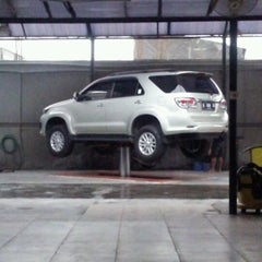 Photo taken at Jet Wash Auto Detailing by Muhammad F. on 12/13/2012