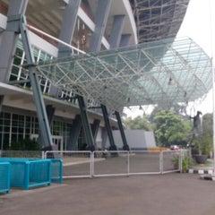 Photo taken at Stadion Utama Gelora Bung Karno (GBK) by Nyong A. on 3/20/2013