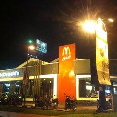 Photo taken at McDonald's / McCafe by Mohd Razali on 10/24/2012