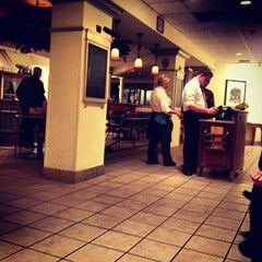 Photo taken at Olive Garden by Sarah S. on 11/5/2012