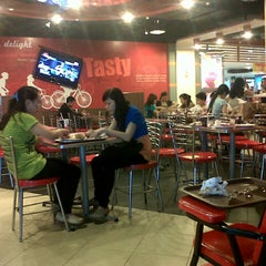 Photo taken at KFC by Nurliana Y. on 12/12/2012