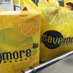 Photo taken at Save More Araneta by Ebenezer F. on 11/14/2014