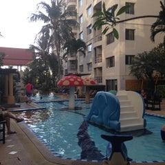 Photo taken at โรงแรม หิน น้ำ ทราย สวย 1 (Hin Nam Sai Suay 1) by Packy P. on 11/21/2015