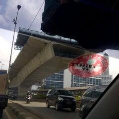 Photo taken at Jalan Layang Non Tol Kp. Melayu - Tanah Abang by S u t j i p t o on 4/17/2013
