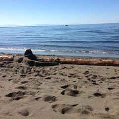Photo taken at Wreck Beach by Vanessa on 9/11/2013