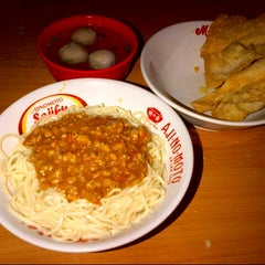 Photo taken at Mie Rica Kejaksaan by Tifanny w. on 10/20/2012