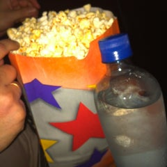 Photo taken at Cine Hoyts by Constanza Belén on 1/13/2013