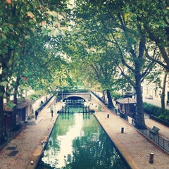 Photo taken at Canal Saint-Martin by Vera on 9/16/2013