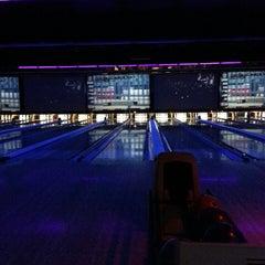 Photo taken at 10Pin Bowling Lounge by Tonya L. on 8/1/2013
