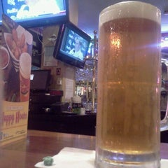 Photo taken at Red Robin Gourmet Burgers by Danny D. on 12/3/2012