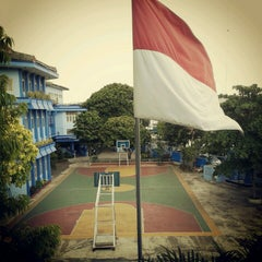 Photo taken at SMA Stella Duce 1 by Gaby L. on 11/4/2012