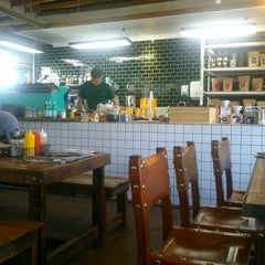 Photo taken at Lonsdale St. Roasters by Riza v. on 9/7/2014