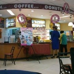 Photo taken at Dunkin' Donuts by Tony L. on 7/9/2013