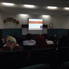 Photo taken at Balai Ilmu IPG Raja Melewar by Goldust on 9/26/2013