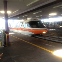 Photo taken at Monorail Orange by Ellen G. on 5/9/2013
