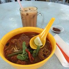Photo taken at Restoran Puchong Fatt Kee by Wong Weng F. on 7/4/2015