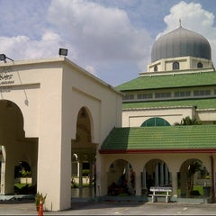 Photo taken at Masjid Al-Hasanah by Abdul K. on 12/12/2012