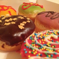 Photo taken at Dunkin' Donuts by Стася on 10/25/2012