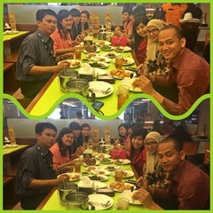 Photo taken at D'Cost Seafood by kennykey on 3/18/2015