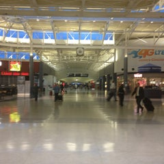Photo taken at Cincinnati / Northern Kentucky International Airport (CVG) by Rodrigo O. on 7/9/2013