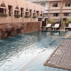 Photo taken at โรงแรมมณีนาราคร (Maninarakorn Hotel) by BoomMiez P. on 12/30/2012