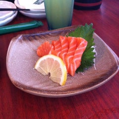 Photo taken at Sushi Tei by Jimmy Ali on 4/1/2015