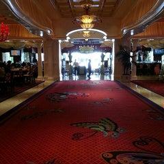 Photo taken at Eastside Lounge at Encore Las Vegas by CHERI K. on 9/5/2015