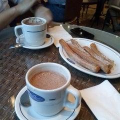 Photo taken at San Agustín. Chocolate y Churros by Sole on 3/19/2013