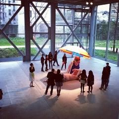 Photo taken at Fondation Cartier pour l'Art Contemporain by Yann on 4/16/2013