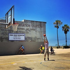 Photo taken at Venice Beach Basketball Courts by Salvatore C. on 8/10/2015