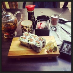 Photo taken at Sushi Bar Bazel (סושי בר בזל) by Gennadiy K. on 11/8/2013