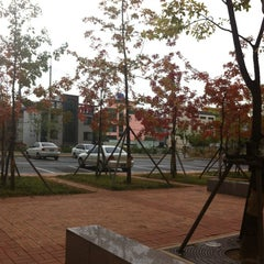 Photo taken at 경북대학교 (Kyungpook National University) by Agnes L. on 10/17/2012