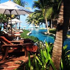 Photo taken at Muang Samui Vilas & Suites, Choegmon Beach by Darina B. on 1/6/2015