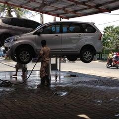Photo taken at Arini Car Wash by Patria on 12/15/2012