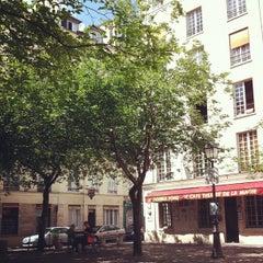 Photo taken at Place du Marché Sainte-Catherine by Richard A. on 5/1/2013