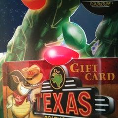 Photo taken at Texas Roadhouse by Leesa on 12/15/2012
