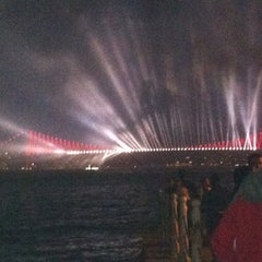 Photo taken at Şemsipaşa Askeri Gazinosu by Yeşim on 10/29/2012
