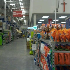 Photo taken at Lowe's Home Improvement by Volodymyr S. on 5/9/2013