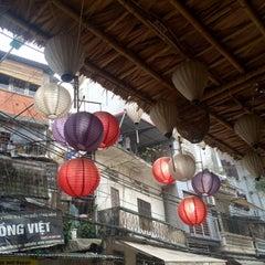 Photo taken at Trà Chanh Đào Duy Từ by Jorn U. on 1/26/2015