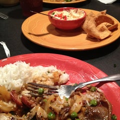 Photo taken at HuHot Mongolian Grill by Jo K. on 4/8/2013