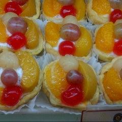 Photo taken at Holland Bakery Kp. Melayu by Yanurmal on 12/16/2012