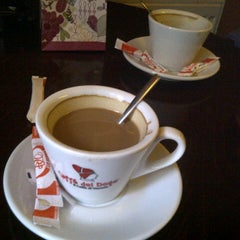 Photo taken at Retro Caffe by Piscoran I. on 9/14/2012
