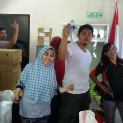 Photo taken at Kantor Terminal Peti Kemas Makassar by Indah Sari F. on 11/23/2014