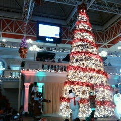 Photo taken at Centro Comercial Galerías by Yancy N. on 11/11/2012