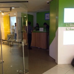 Photo taken at StarHub Shop (Mobile) by Sutowo Lukman on 10/29/2014